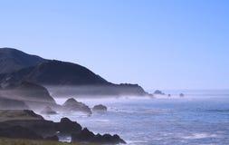 Oceaan met Mist Stock Foto's