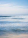 Oceaan in Motie Stock Afbeeldingen