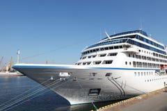 Oceaan schip bij de haven van Odessa te dokken Royalty-vrije Stock Foto's