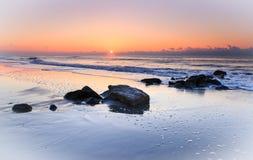 Oceaan van het Zuid- zonsopgangzeegezicht Carolina royalty-vrije stock foto