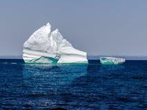 Oceaanmening met ijsbergen Royalty-vrije Stock Fotografie