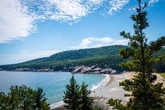 Oceaanmening van klip in het Nationale Park van Acadia royalty-vrije stock foto's