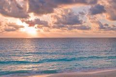 Oceaanzonsondergang Stock Afbeeldingen