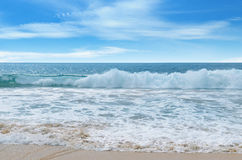 Ocean and blue sky Royalty Free Stock Images