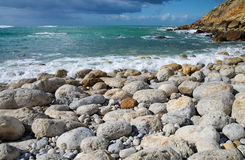 Ocean boulder beach Royalty Free Stock Photography