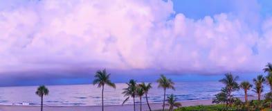 Ocean burza w gulf stream Tworzy Dramatycznego horyzont Obraz Stock