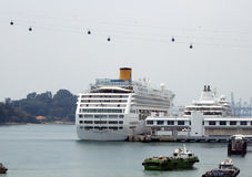 Ocean cruiser in Singapore Royalty Free Stock Images