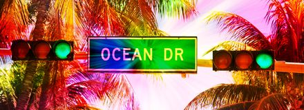 Free Ocean Drive Sign And Traffic Light Royalty Free Stock Image - 92747416