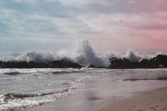 ocean fala w Pacyficznym oceanie burzowe fale oceanu Zdjęcia Stock