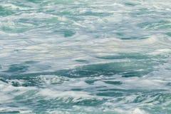 Ocean fala wody piana Zdjęcie Royalty Free
