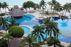 Ocean front Pool. A beautiful ocean front resort in Cancun, Mexico Royalty Free Stock Image