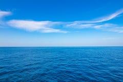 Ocean i niebo z chmurami Fotografia Stock