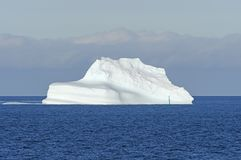 Ocean Iceberg in Bright Sun Royalty Free Stock Images