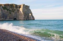 Ocean kipiel przy Etretat, Francja zdjęcie stock