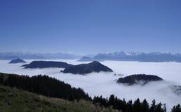 Ocean nad szwajcarskimi alps widzieć od Rigi-Kulm blisko Kaltb zdjęcia royalty free