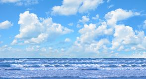 Ocean and perfect sky Royalty Free Stock Images