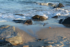 Ocean Ripples. The ocean waves on the rocks Royalty Free Stock Photography