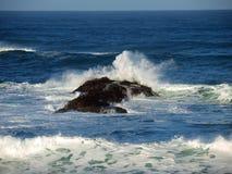 Ocean rock. Pacific ocean waves crashing on rocks in northern California beach Royalty Free Stock Photos