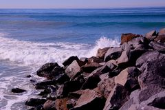 Waves Ocean rocks  Royalty Free Stock Photography