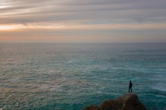 Ocean sceneria z Odludną osobą obraz royalty free