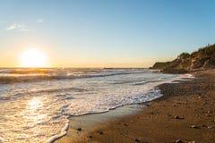 Ocean shore at sunset Royalty Free Stock Photos