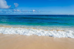 Ocean and tropical sandy beach background Royalty Free Stock Photography