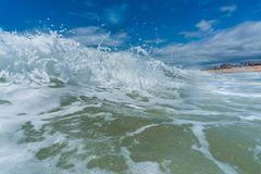 Ocean waves breaking natural background Royalty Free Stock Photos