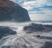 Ocean waves crashing on rocks Royalty Free Stock Photo
