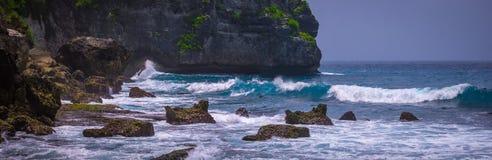 Ocean Waves on Tembeling Coastline at Nusa Penida island, Bali Indonesia Royalty Free Stock Photos