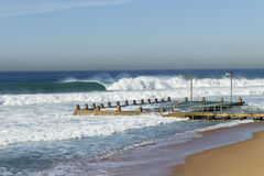 Ocean Waves Tidal Pool Girls Royalty Free Stock Photos