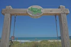 Oceanfrontsikt i den Kure stranden North Carolina arkivfoton