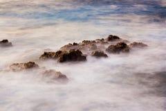 Oceano ad alba, paesaggio astratto Immagini Stock