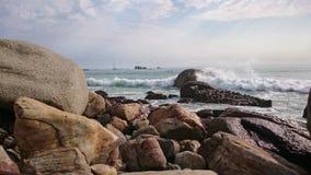 Oceano Atlântico balança ondas Imagens de Stock