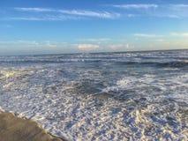 Oceano Atlântico que recua a maré Fotos de Stock
