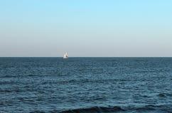 Oceano azul agradável Foto de Stock Royalty Free