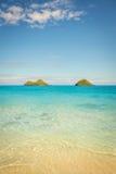Oceano claro na praia de Lanikai Imagens de Stock