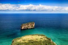 oceano da praia da paisagem nas Astúrias, Espanha Imagens de Stock