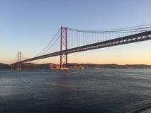 Oceano del Portogallo di vista del ponte di Lisbona Fotografia Stock Libera da Diritti