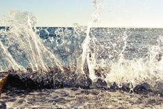 OCEANO DELLE ONDE SPLAH immagine stock libera da diritti