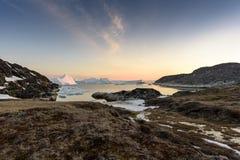 Oceano di Arcic nella città di Ilulissat della Groenlandia Maggio 2016 Fotografie Stock Libere da Diritti
