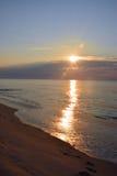 Oceano di Serene Summer Sunrise Over Calm Fotografia Stock Libera da Diritti