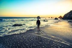 Oceano di tramonto alla spiaggia di malibu Fotografia Stock