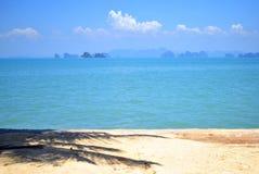Oceano e cielo blu blu Fotografia Stock Libera da Diritti