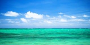Oceano e cielo perfetto Fotografie Stock Libere da Diritti