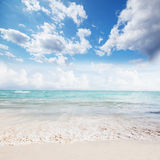 Oceano e céu bonitos. Imagem de Stock Royalty Free
