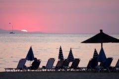 Oceano e nascer do sol em Greece imagem de stock