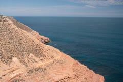 Oceano e penhascos do parque nacional de Kalbarri, WA, Austrália Ocidental, Oceano Índico foto de stock royalty free