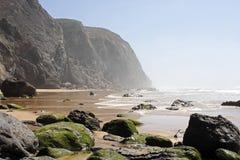 Oceano e rocce Fotografie Stock