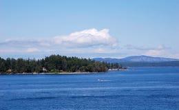 Oceano ed isola Fotografie Stock Libere da Diritti