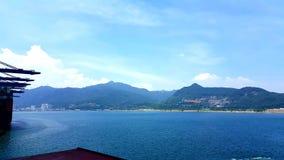 Oceano & montanhas Fotografia de Stock